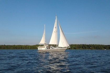Charter Sailboat Pacific Seacraft Orion 12 Mariestad