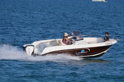 Hire Motorboat PACIFIC CRAFT 670 Roses