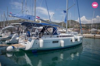 Rental Sailboat Jeanneau Sun Odyssey 440 Elliniko