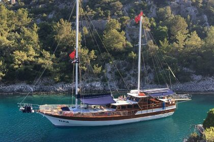 Hire Sailboat Gulet Elpis Göcek