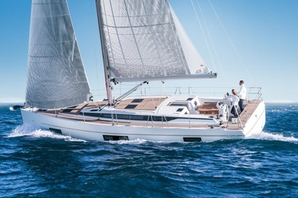 Charter Sailboat Bavaria C45 Laurium