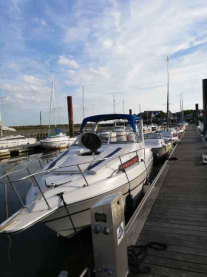 Charter Motorboat Four Winns Vista 235 Berck