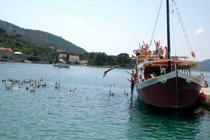 Verhuur Motorboot Custom Built Traditional Wooden Croatian Boat Dubrovnik