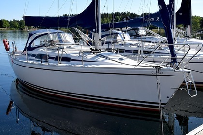 Hire Sailboat Linjett 33 Norrtälje
