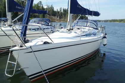 Hire Sailboat Linjett 37 Norrtälje