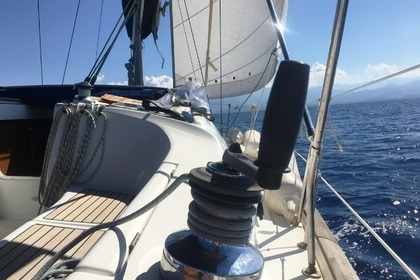 Hire Sailboat Beneteau 423 - 3 Bagni Aeolian Islands