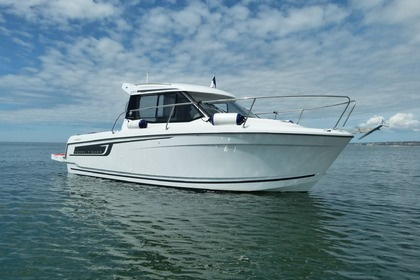 Hire Motorboat Jeanneau Merry Fisher 695 Le Havre