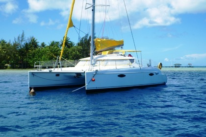 Hire Catamaran Fountaine Pajot Lavazzi 40 Baie Mahault