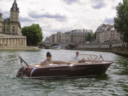 Alquiler Lancha Riva Collection Runabout París