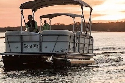 Hire Motorboat Suncatcher 22′ Suncatcher Pontoon Hilton Head Island