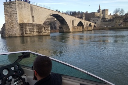 Rental Motorboat SEA RAY SEVILLE Le Pontet