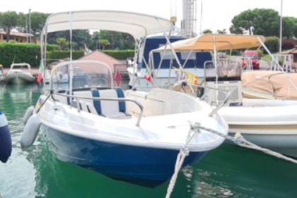 Rental Motorboat QUICKSILVER 520 Open Sirmione