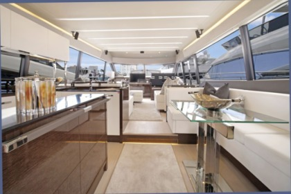 Location Yacht Prestige 680 Antibes
