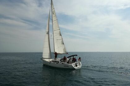 Rental Sailboat Beneteau Oceanis 37 San Vincenzo