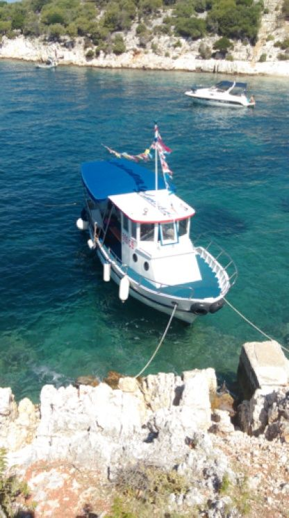 Charter Motorboat Adriatic 1000 Cres