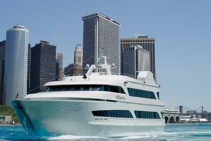 Hire Motor yacht Yank Marine 150 New York