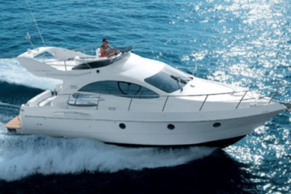 Rental Motorboat FERRETTI 430 FLY Marbella