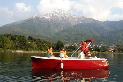 Hire Motorboat Microwatt  5.0 Colico
