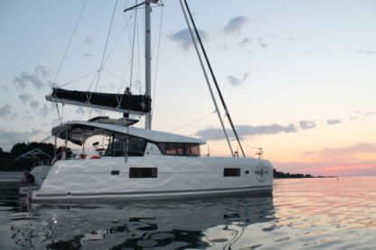 Location Catamaran Lagoon 42 La Valette