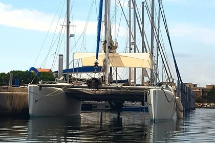 Hire Catamaran fountaine-pajot Corneel 26 Port Leucate