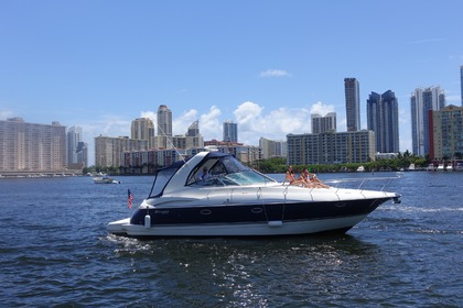 Rental Motorboat Cruisers Yacht 370 Express Miami
