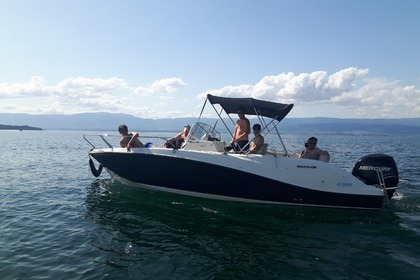 Charter Motorboat Valibou 2 QUIKSILVER SUNDECK 675 Excenevex