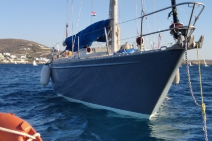 Hire Sailboat Champer Nicholson S&S One off Syros