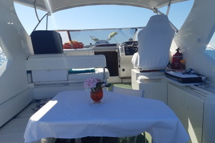 Hire Motorboat Fairline Targa 38 Grado