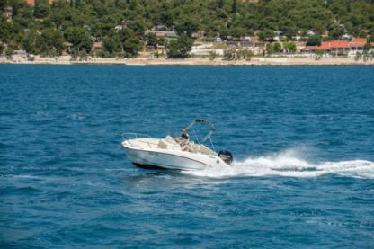 Charter Motorboat Quicksilver 555 Open Trogir
