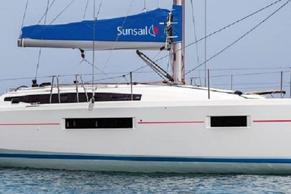 Charter Sailboat Sunsail 410 Piraeus
