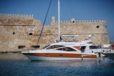 Motor yacht Oryx 46 Fly for hire
