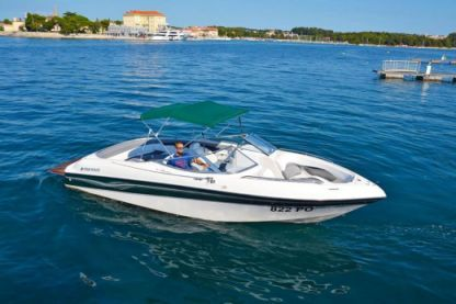 Charter Motorboat Four Winns Horizon 240 Poreč