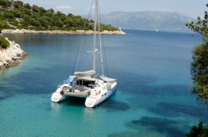 Location Catamaran Fountaine Pajot Lavezzi 40 Saint-Mandrier-sur-Mer