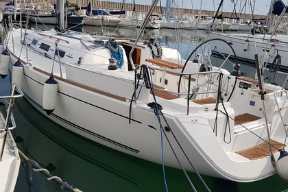 Hire Sailboat Dufour Dufour 44 Performance El Masnou