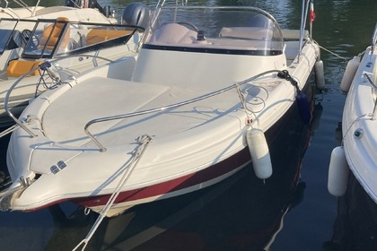 Hire Motorboat Pacific Craft 570 Cabine Mandelieu-La Napoule