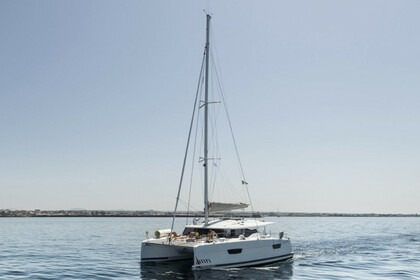 Rental Catamaran Fountaine Pajot Astréa 42 Marsala