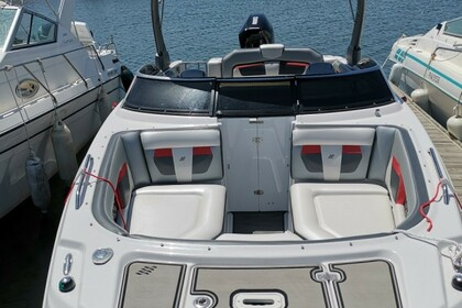 Hire Motorboat Fourwinns Horizon 220 cs sport Agde
