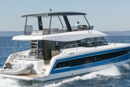 Hire Catamaran FOUNTAINE PAJOT MY 44 Annapolis