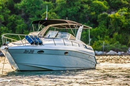 Hire Motorboat REGAL 3260 Commodore Pattaya