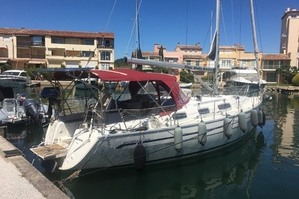 Hire Sailboat Bavaria Bavaria 38 Cruiser Grimaud