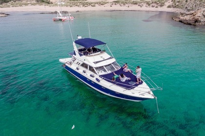 Charter Motorboat FAIRLINE CUSTOM Menorca