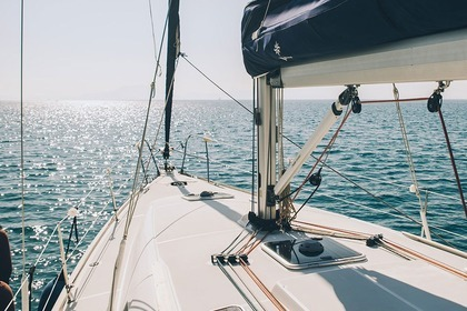 Hire Sailboat JEANNEAU 42i Volos