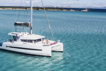 Hire Catamaran Bali 4.1 Airlie Beach