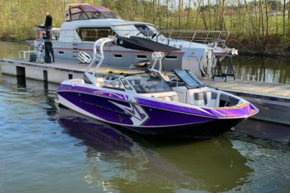 Hire Motorboat Correct Craft SUPER AIR NAUTIQUE G21 Le Bourget-du-Lac