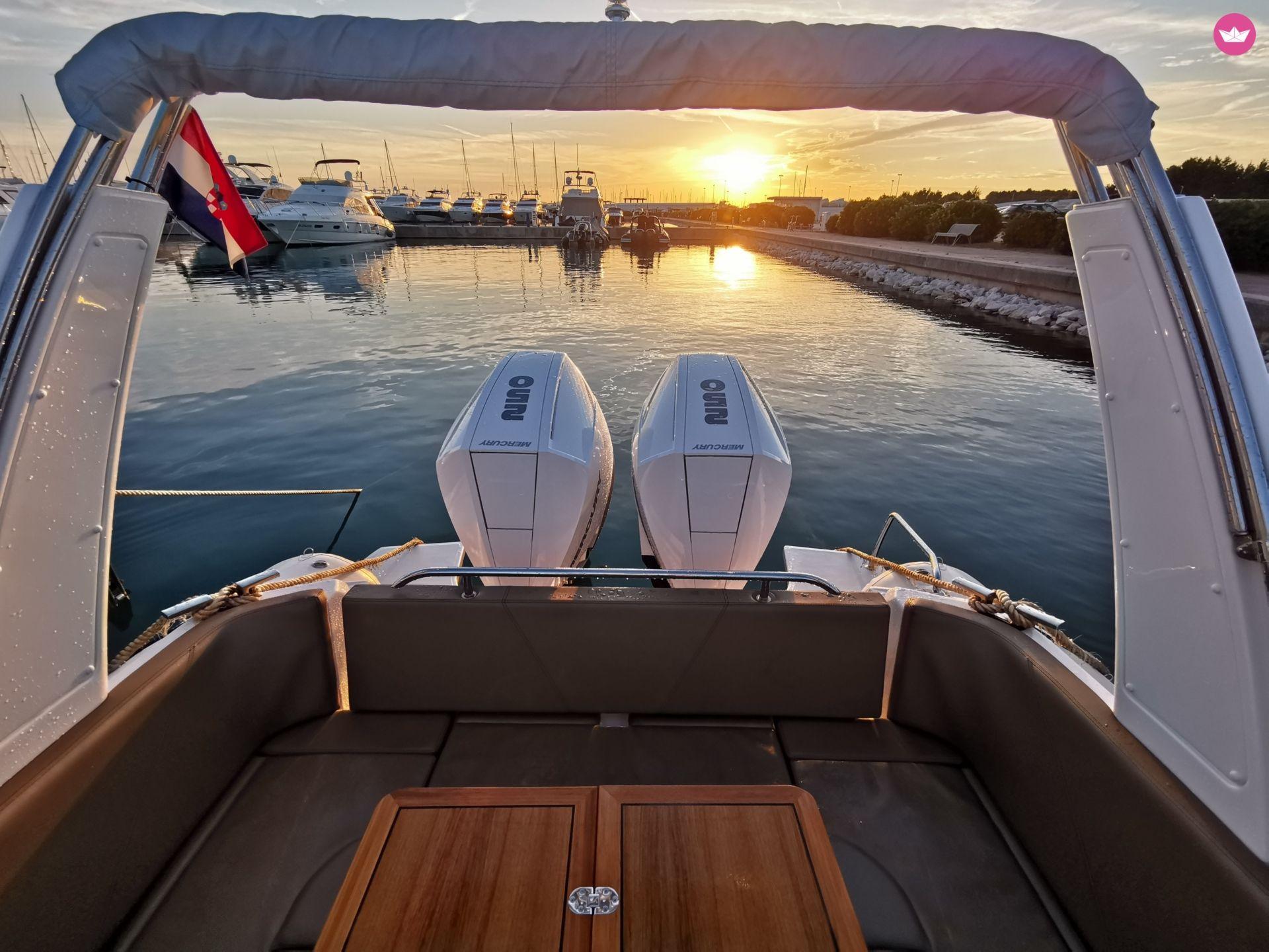 Joker Boat C28 + NEW Mercury V8 Verado 250