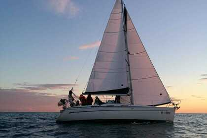 Hire Sailboat BAVARIA 34 CRUISER Genoa