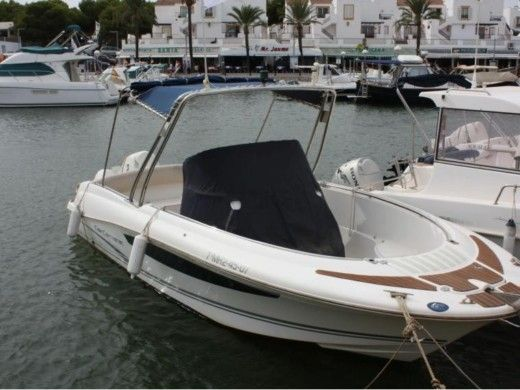 Miete motorboot in Menorca