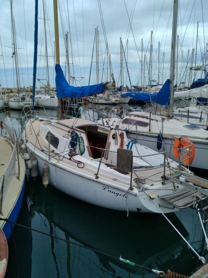 Rental Sailboat Jeanneau Folie Douce Fos-sur-Mer