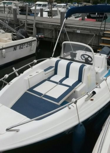 Quicksilver Commander 500 in Mandelieu-La Napoule peer-to-peer