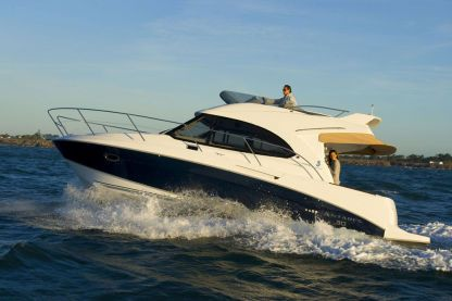 Charter Motorboat Beneteau Antares 30 Fly Rouen